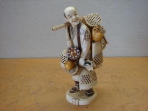 埼玉県東松山市にて象牙彫刻をお売りいただきました