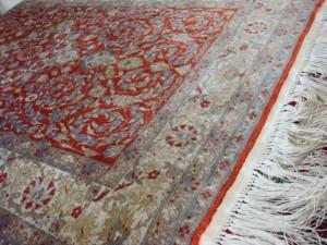 港区にてペルシャ絨毯シルク玄関マットをお売りいただきました