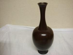 神奈川県鎌倉市にて角谷一圭の唐銅花入れをお売りいただきました