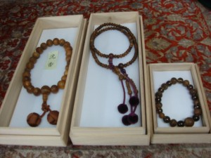 千葉県市川市にて沈香木の念珠をお売りいただきました