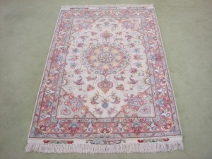 東京都港区にてペルシャ絨毯(タブリーズ)の買取